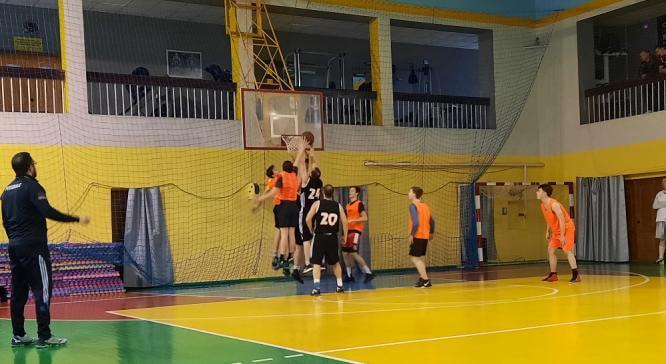 В Константиновке проведено первенство по баскетболу среди любительских команд
