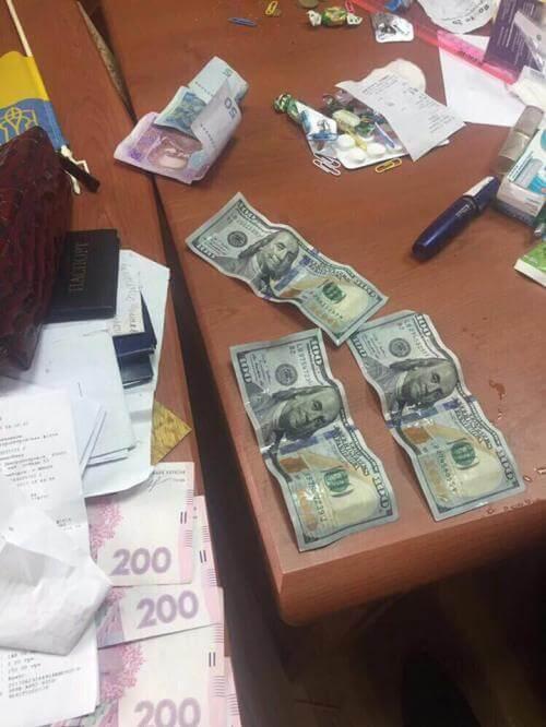 Сотрудников филиала ДНУ им. Василия Стуса в Константиновке будут судить за взятки