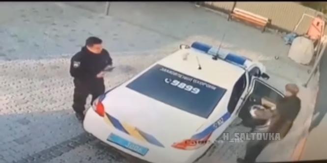 В Константиновке сотрудники полиции охраны украли урну на автомойке