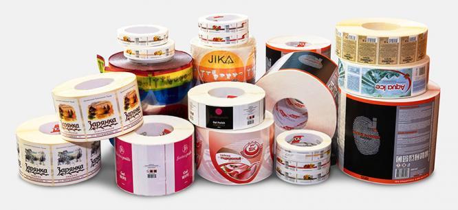 Полиграфические услуги: для чего нужна печать стикеров и наклеек в рулоне