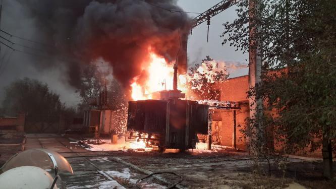 В Константиновке загорелась трансформаторная подстанция завода металлургического оборудования