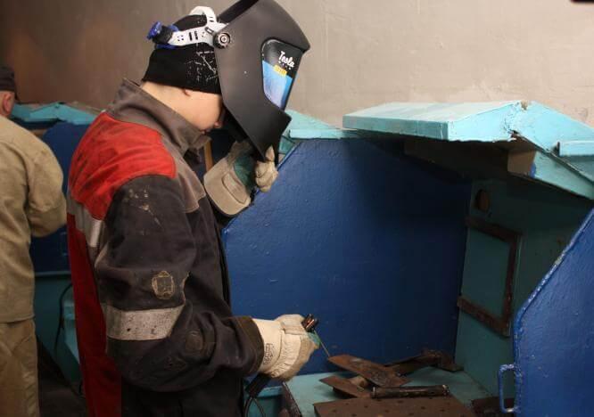 В День студента Фонд Бориса Колесникова подарил студентам Константиновского лицея сварочное оборудование