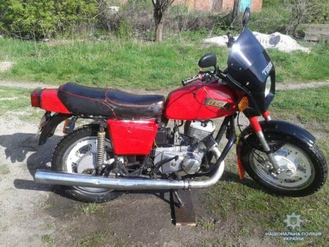 В Константиновке угнали мотоцикл с целью разобрать и продать по запчастям