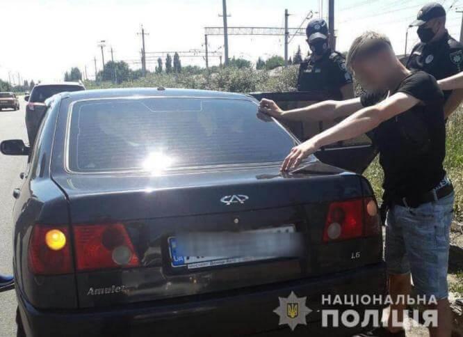 Оперативники Донетчины задержали пятерых серийных «цепочников»