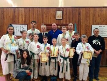 Каратисты из Константиновки заняли второе место на чемпионате Украины