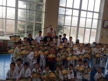 В чемпионате Донецкой области по традиционному каратэ победила команда Константиновки