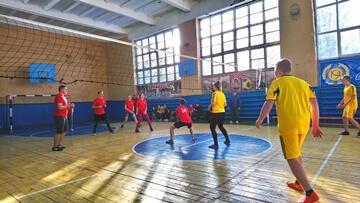 Спартакиада среди студентов Константиновки стартовала волейбольным турниром