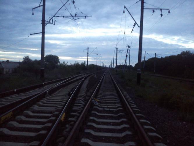 В Константиновке местный житель совершил кражу провода на железной дороге