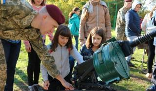 В Константиновке прошла выставка военной техники