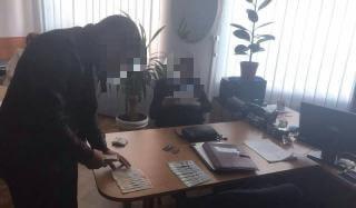 В Константиновке за взятку в 10000 грн задержали сотрудника фискальной службы
