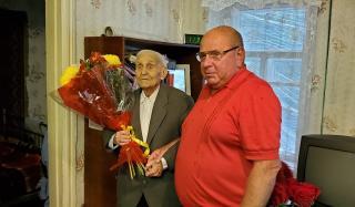 Сергей Давыдов поздравил жителя Константиновки со 100 летним юбилеем
