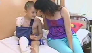 Гумштаб Ахметова помогает ребенку, попавшему в ДТП в Константиновке