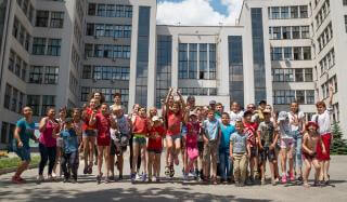Благотворители организовали тур в Харьков для детей десяти сел Покровского района