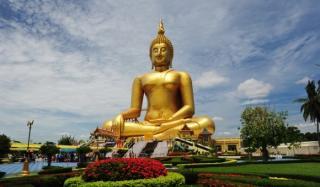 Пляжный отдых и таинства Будды в Китае