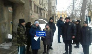 Полицейские Константиновки продолжают воплощать проект «Безопасный дом»
