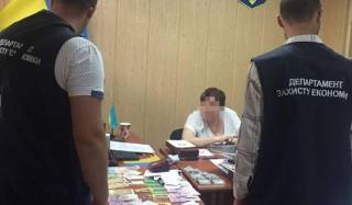 Руководитель Константиновского филиала ДонНУ задержан за взятку