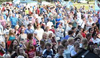 В Дружковке масштабно празднуют День рыбака: яркие фото
