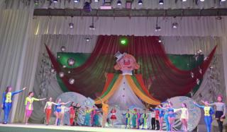 В Константиновке прошло праздничное цирковое представление «Веселая арена»