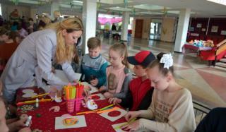 Акция «Теплые сердца» состоялась во Дворце культуры и досуга Константиновки