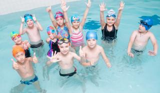 Запишите ребенка на бесплатное посещение бассейна в Дружковке!