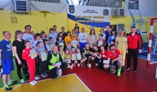 В Константиновке прошел городской этап соревнований «Мама, папа, я - спортивная семья»