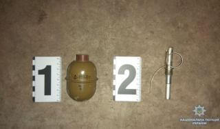 В течение суток полицейские Константиновки обезоружили двух местных жителей