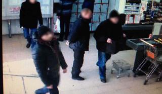 В одном из супермаркетов Константиновки произошла кража и грабеж одновременно