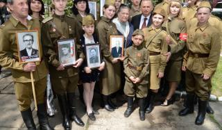К 75-летию Великой Победы Борис Колесников и его Фонд восстанавливают памятники на Донетчине