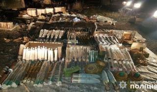 Сотрудники СБУ обнаружили в Константиновке крупный склад боеприпасов