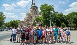 Фонд Бориса Колесникова отправил учащихся Новоэкономической школы на экскурсию в Харьков