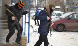 Полицейские Константиновки провели учебную спецоперацию с погоней и заложниками
