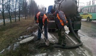 Сотрудники службы водоснабжения Константиновского ПУВКХ
