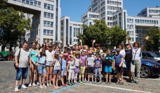 Летний досуг: школьникам Покровского района организовали экскурсию в Харьков