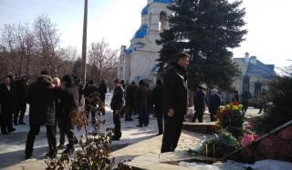 В Константиновке торжественно возложили цветы к памятнику воинам - интернационалистам