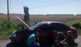 В Константиновке на подъезде в город загорелся автомобиль